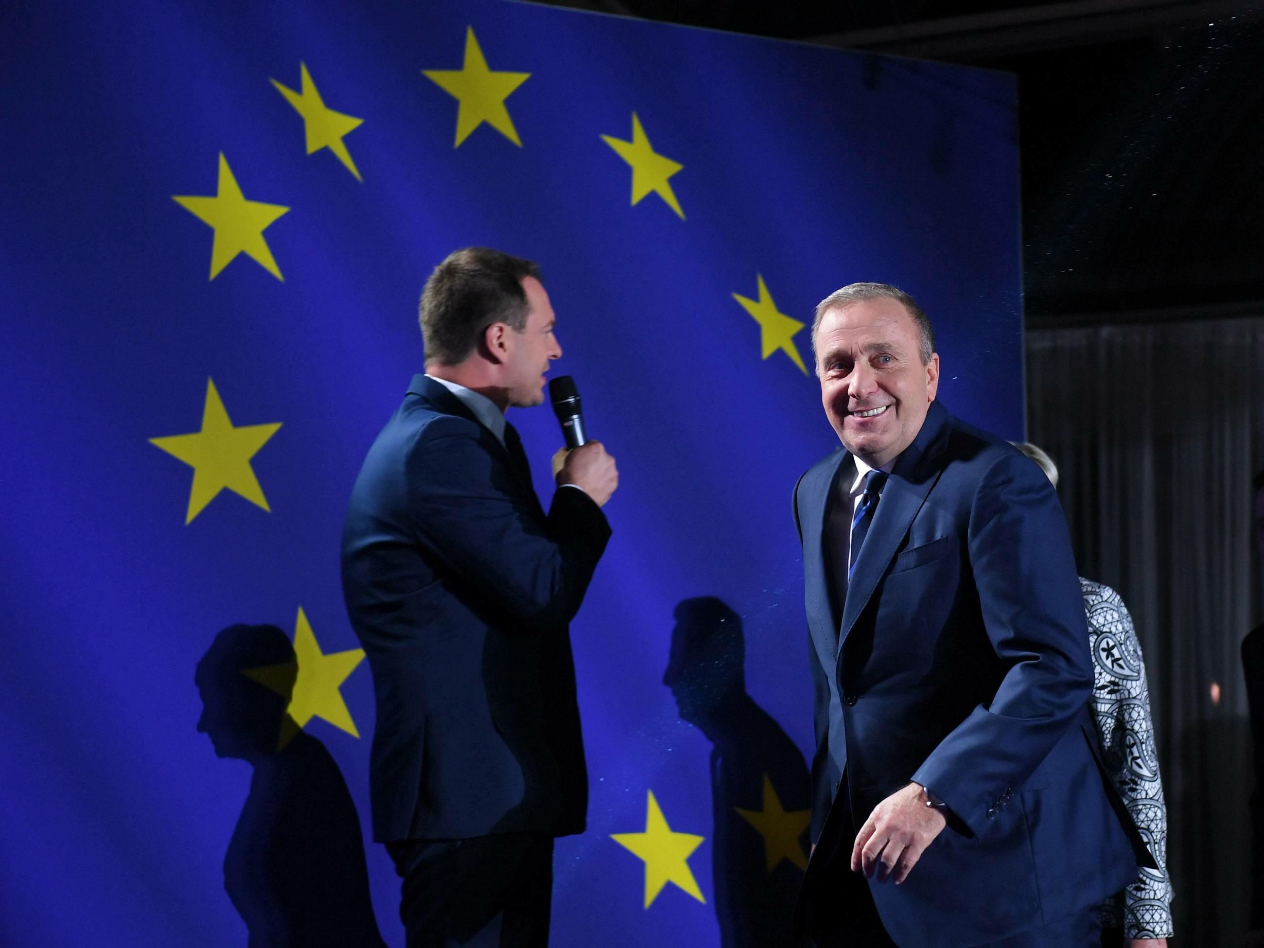 Przewodniczący PO Grzegorz Schetyna w sztabie wyborczym Koalicji Europejskiej